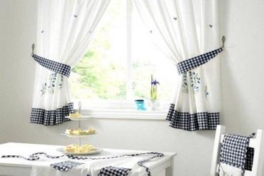 Cách chọn loại rèm cửa tuyệt xinh phù hợp với phòng bếp